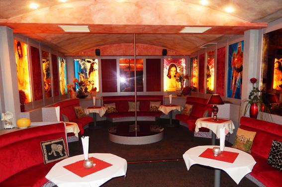 Gogo Stange - Nachtclub